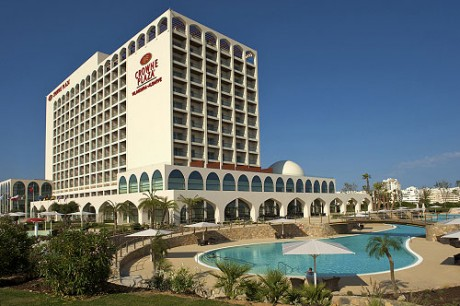 Hotel Crowne Plaza Vilamoura 2104: 4 noches + 3 golf desde 439,00€